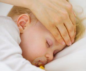 bebe-irlande-medicamment-fievre